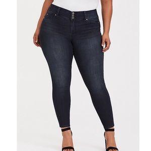 Torrid Dark Rinse Jegging Skinny Jeans